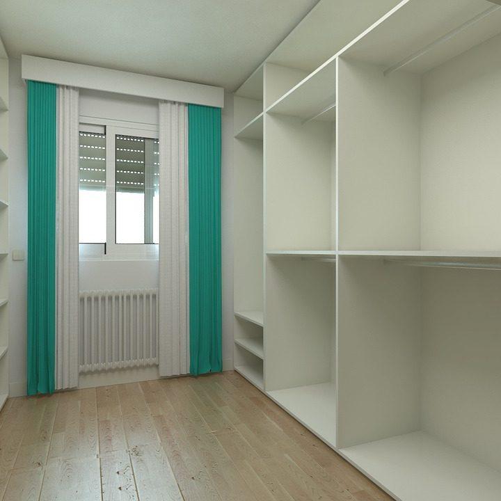 Czy kobieta powinna mieć garderobę w swoim mieszkaniu?